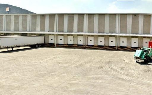 nave industrial y logistica de 3056 m2 con andenes