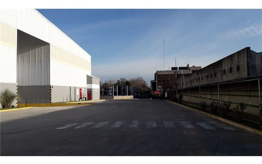 naves logísticas e industriales 1000 a 15.000 m2