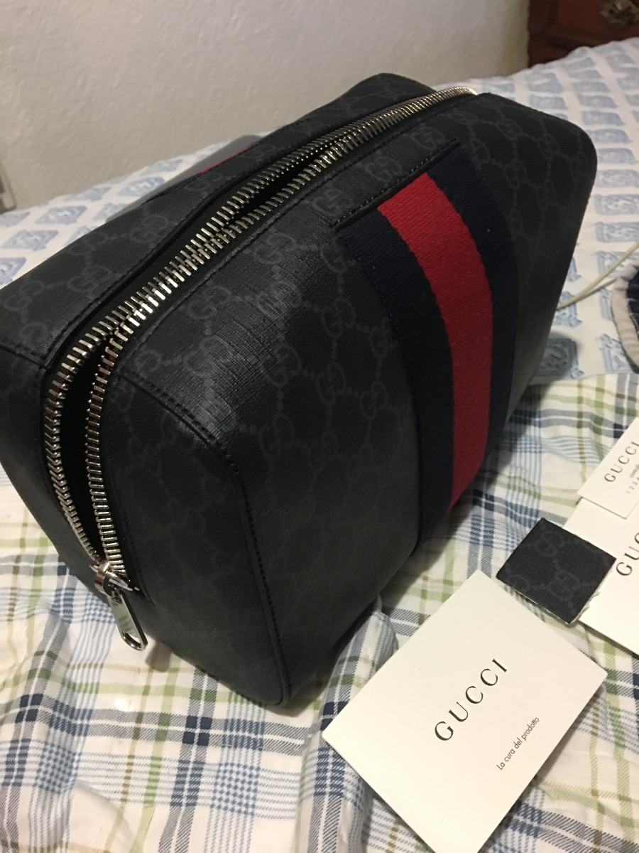b18b9b933 Neceser Gucci Supreme - $ 9,500.00 en Mercado Libre