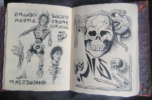 Necronomicon Ash Vs Evil Dead Livro - R$ 190,00 em Mercado