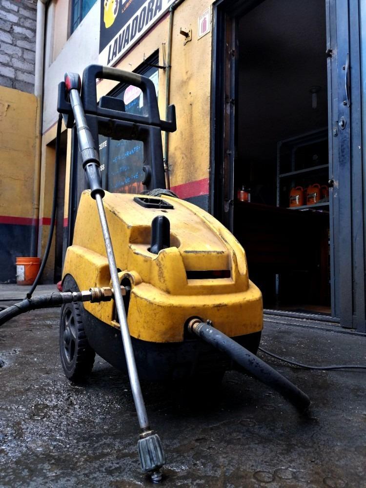 negocio de lubricantes, mantenimiento vehicular, lubricadora
