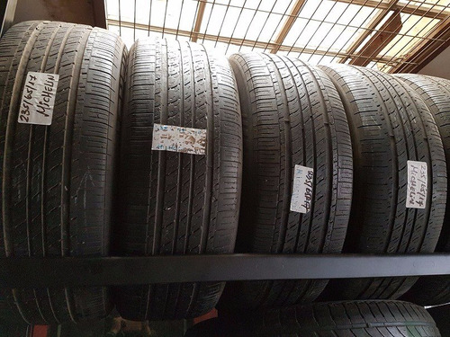 neumaticos 235/65r17 con uso buen estado michelin, goodyear.