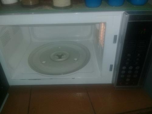 nevera cicroonda y cocina