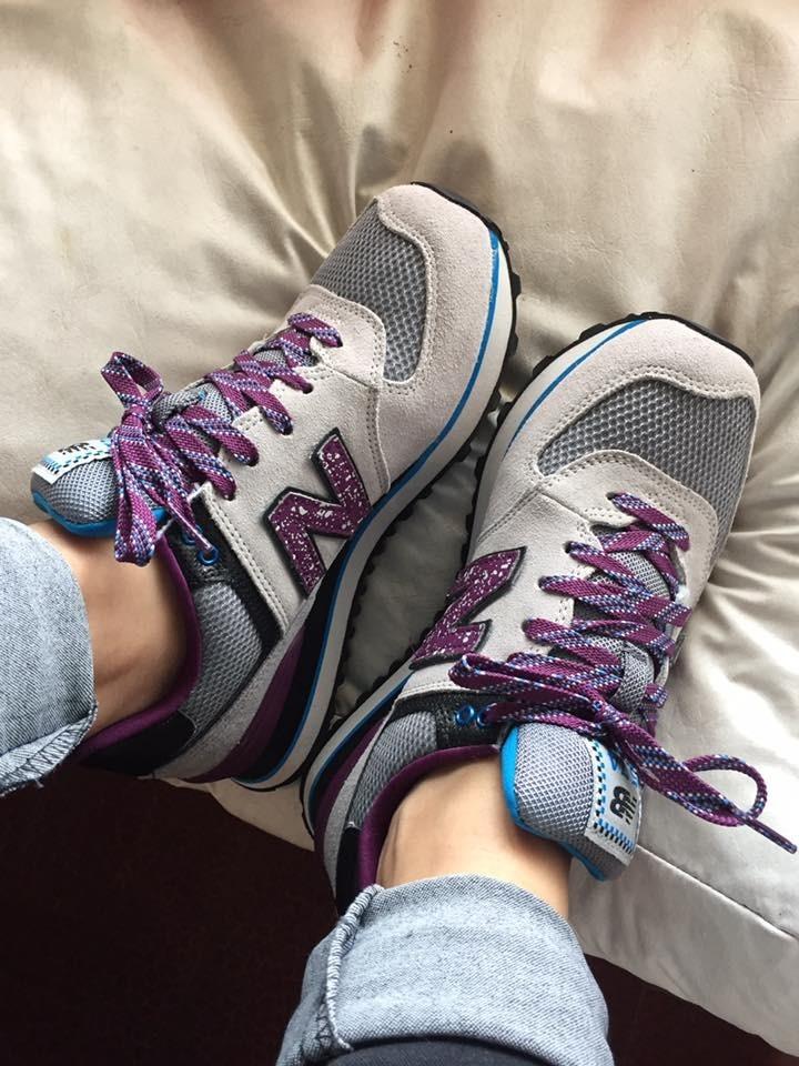 new balance gris y violeta