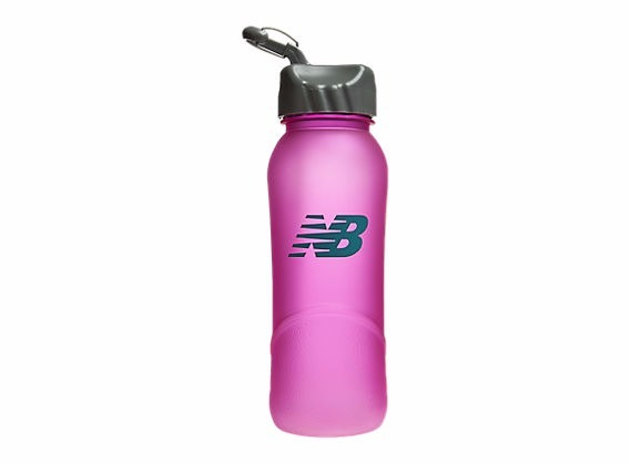 botella de agua new balance