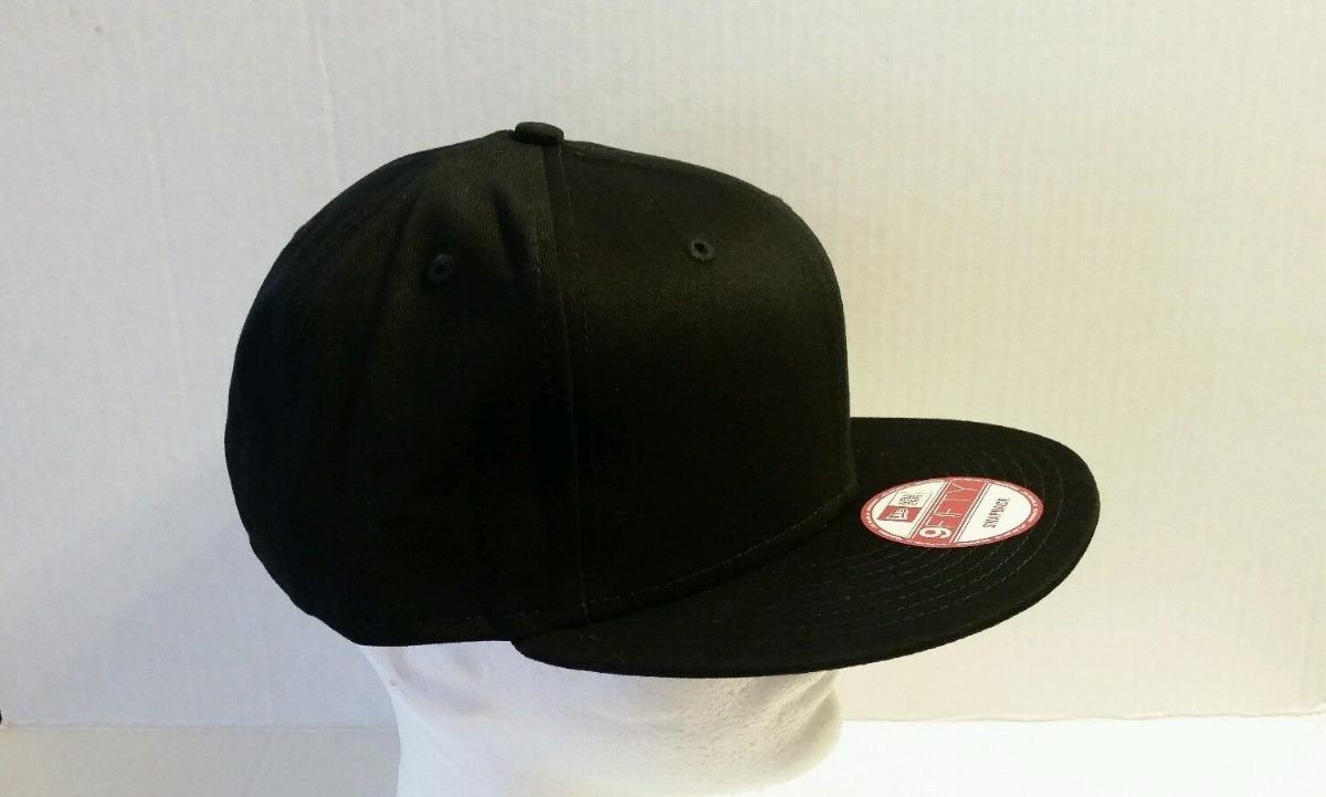 New Era 9fifty   Negra negra   Gorra Plana Snapback 100% Ne ... d1b50a7d86d