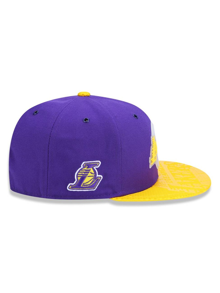 Carregando zoom... 2 bone 950 los angeles lakers nba new era 42961 2306b398cd5