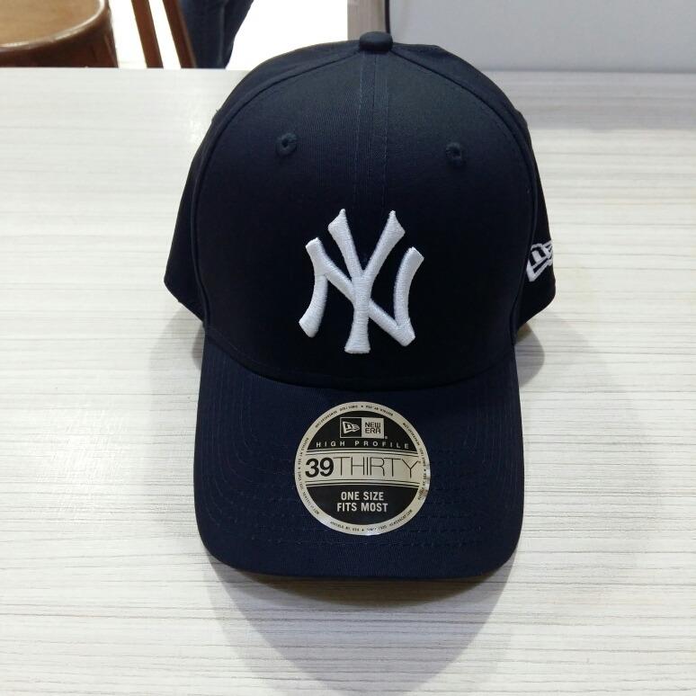 Boné New York Yankees Azul Marinho New Era Aba Curva S m - R  169 8b7c14ef4c7