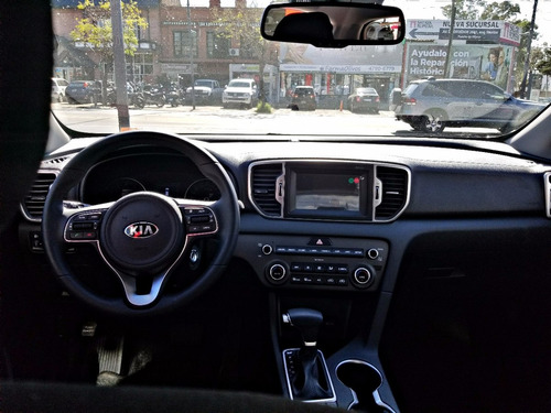 new kia sportage 4x2 at. llantas 18¨´ unica
