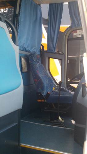 ônibus rodoviário mercedes benz o-500m marcopolo viagio 1050