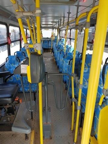 ônibus urbano torino, 3 portas e elevador - garantia 6 meses
