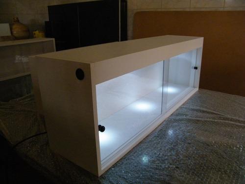 nicho armário iluminação led  e porta -  sob medida