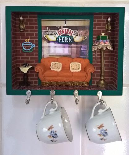 nicho decorativo central perk (com opção porta xícaras)
