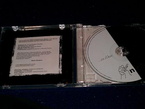 nicho hinojosa cd en el bar del año 2000