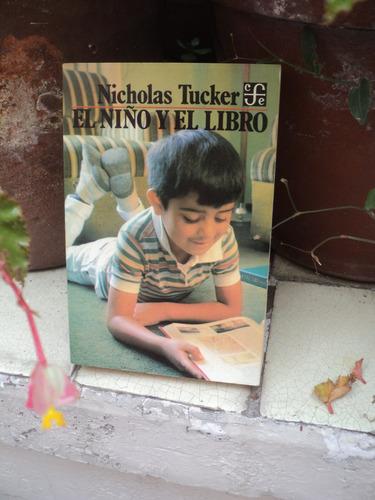 nicholas tucker, el niño y el libro