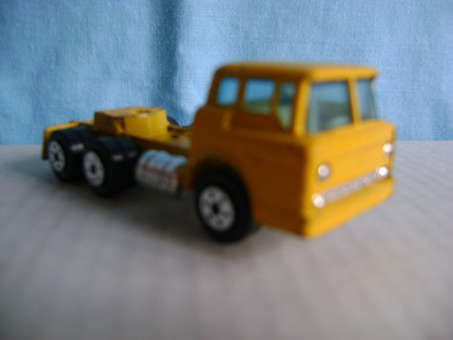 nico camion tractor frontal yatming metal  h0 (rvh 76a)
