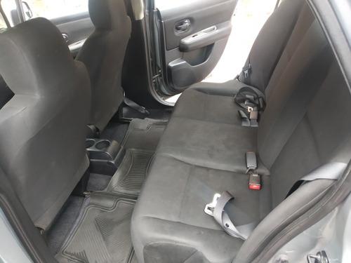 niisan tiida sedan