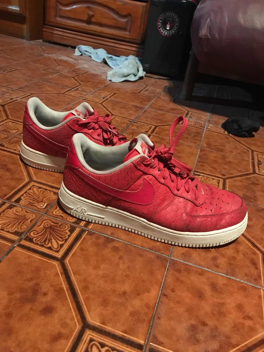 nike air force low rojas