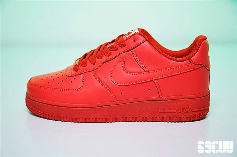 Nike Air Force 1 rojas