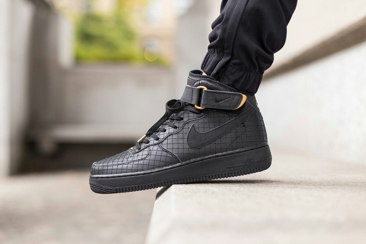 nike air force 1 mid negra
