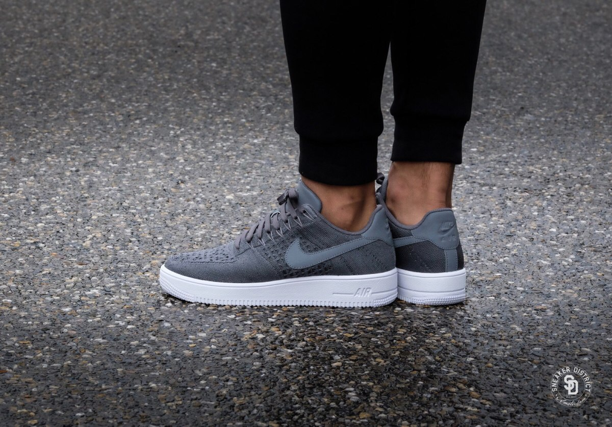 acheter en ligne db8f6 fe441 Nike Air Force Low Ultra Flyknit 11.5 Dark Grey Sb Grises