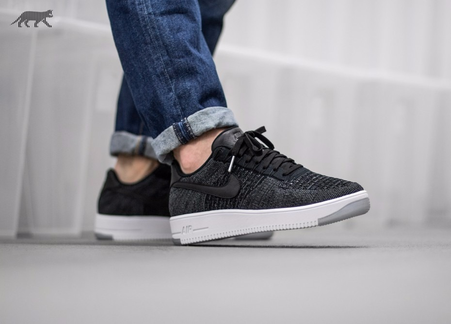 nike one force black