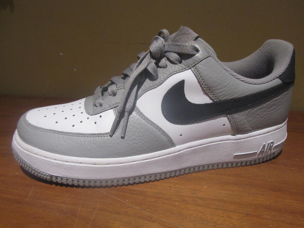 nouveau style b35a2 f734f Nike Air Force One Low Gris/ Bco/ Ngo Talla 7.5 Originales - $ 1,200.00