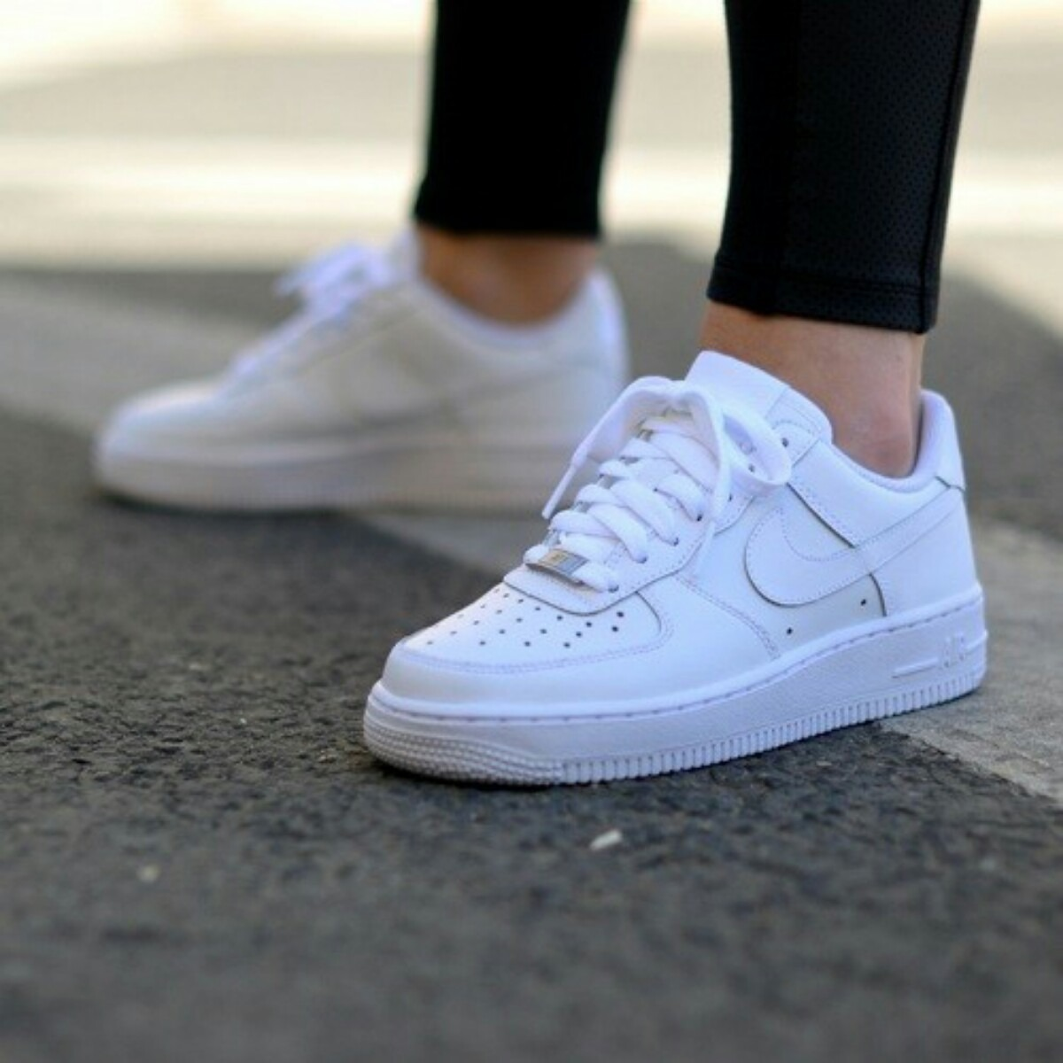 air force one mujer dorados