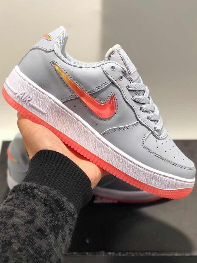 nike air force 1 mujer gris