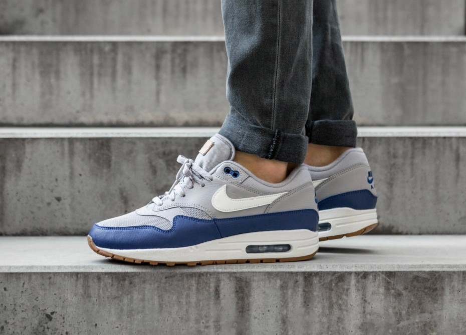 hot sale online 90d30 3f9f2 nike air max 1 (atmosphere grey   sail - deep royal blue). Cargando zoom.