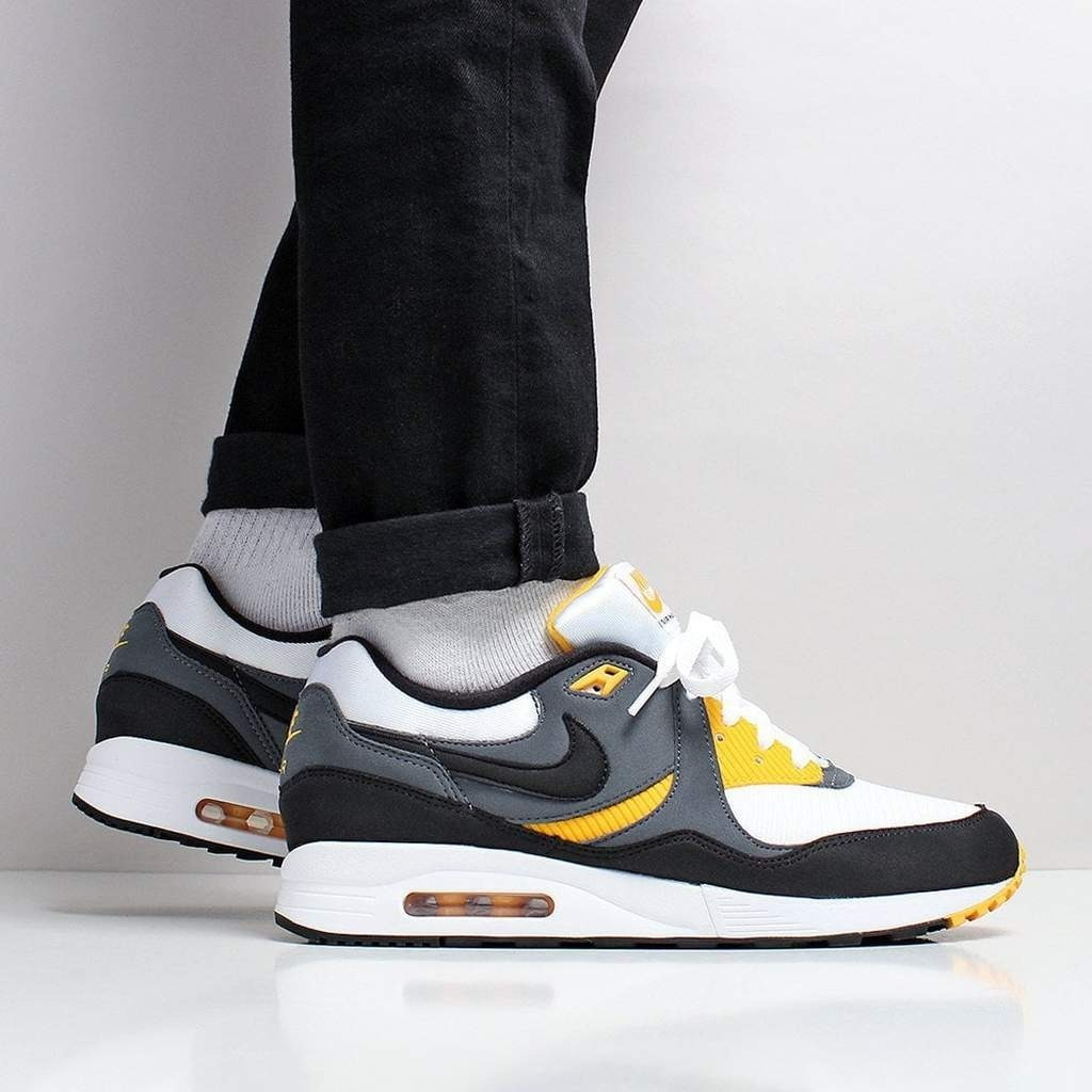 Nike Air Max Light White Black University Gold Hombre