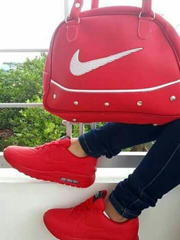 caf224a859007 Nike Air Max Rojo Envio Gratis -   75.000 en Mercado Libre