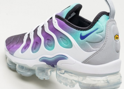 online retailer afb6d 0c153 Nike Air Vapormax Plus (white / Fierce Purple - Aurora Green