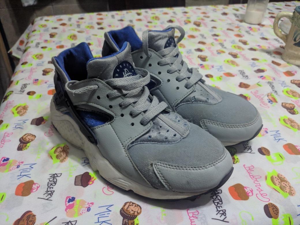 low priced 84aeb 9b4c3 Nike Huarache 39