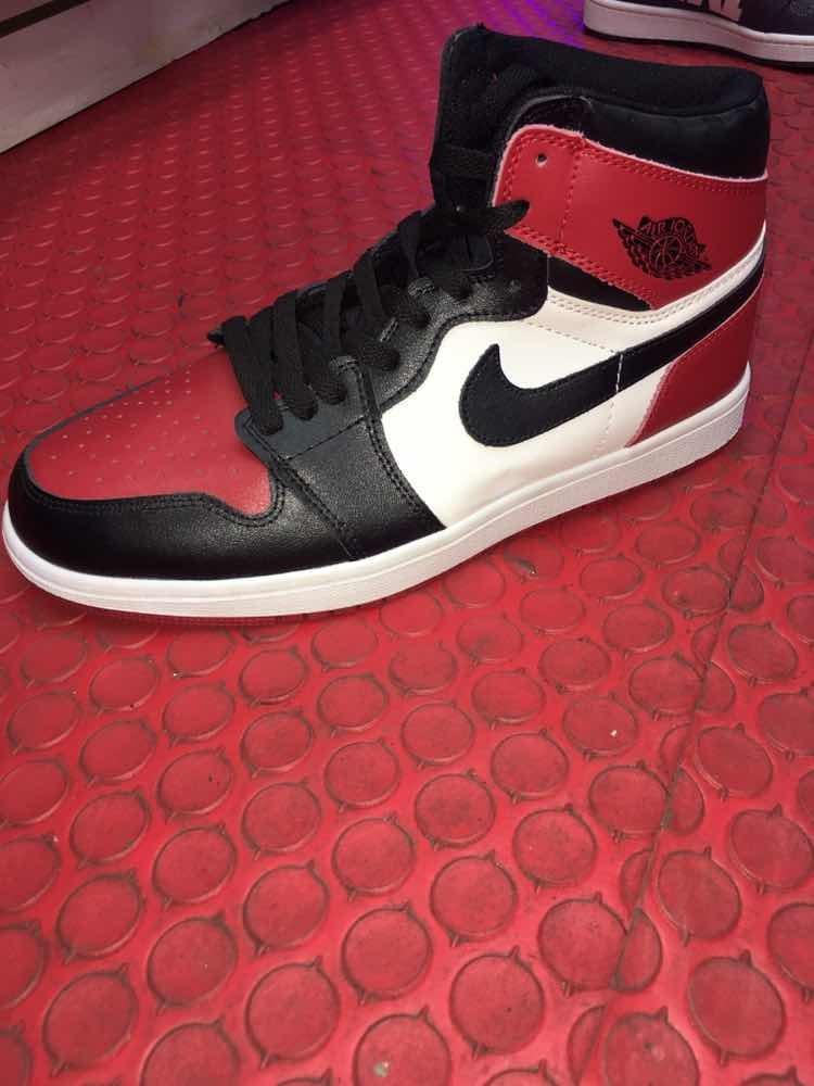 new styles c9cc4 256dd Nike Jordan Retro 1 Bred Toe Rojo