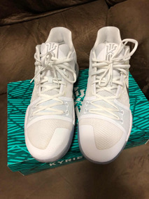 official photos dad27 b3c8a Nike Kyrie 3 Triple White 44br/12us