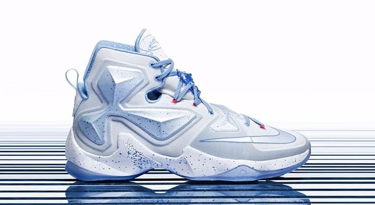 purchase cheap d3ea9 bcf27 Nike Lebron 12 Xii Xmas