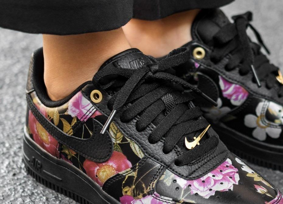 Nike Wmns Air Force 1 '07 LXX (Black Black Black Metallic Gold)