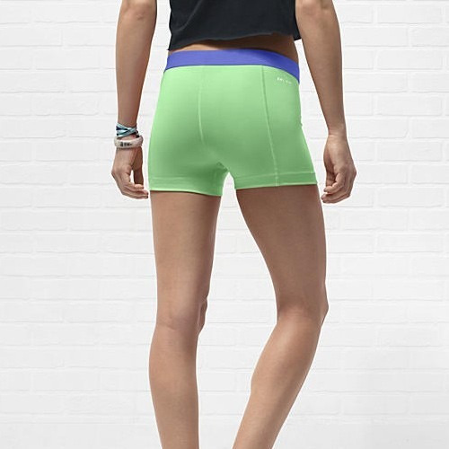 nike pro essential 2.5 short compresion fit para dama xs
