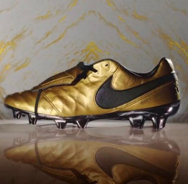 competitive price c5dc7 46d7c Nike Tiempo Legend Vi Se Totti X Roma