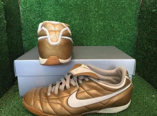 new product 9d871 ad37c Tiempo Ronaldinho Total R10 R9 Nike Dorados Mercurial 90 qCw61ndHn