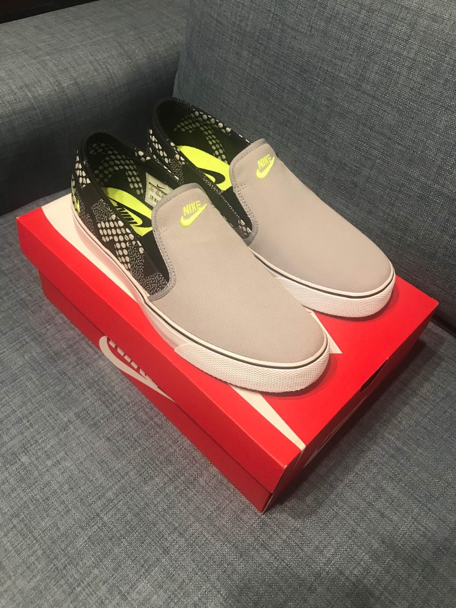 e54f6c1dcb46 Nike Toki Slip Txt Print