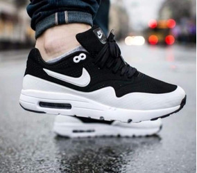 Nike Air Max 1 Ultra Moire MujerHombre Negras Negras