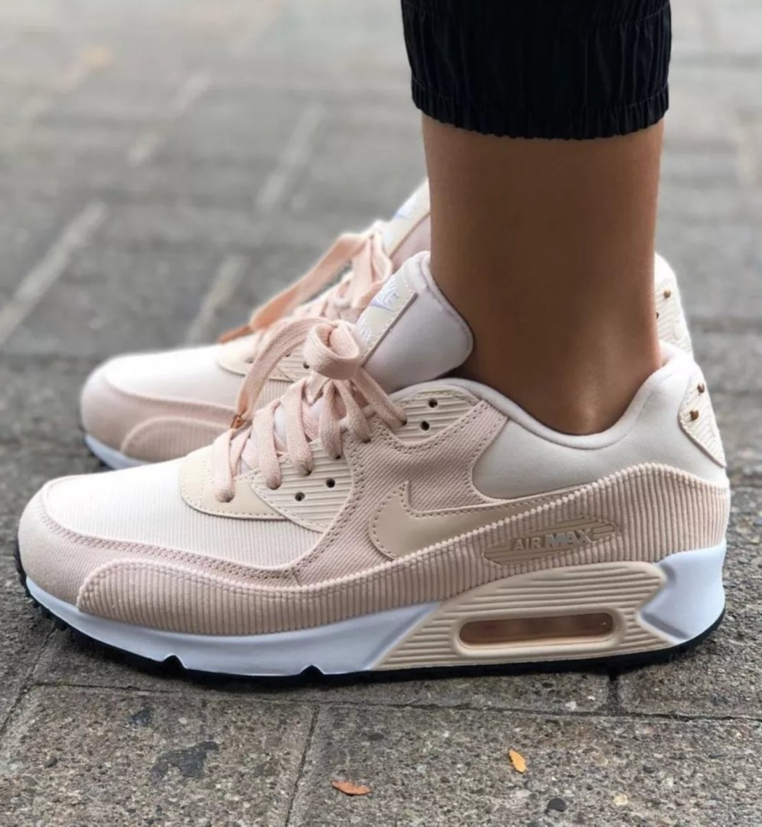 newest d3a2f c3dc2 nike wmns air max 90 corderoy guava ice black white. Cargando zoom.