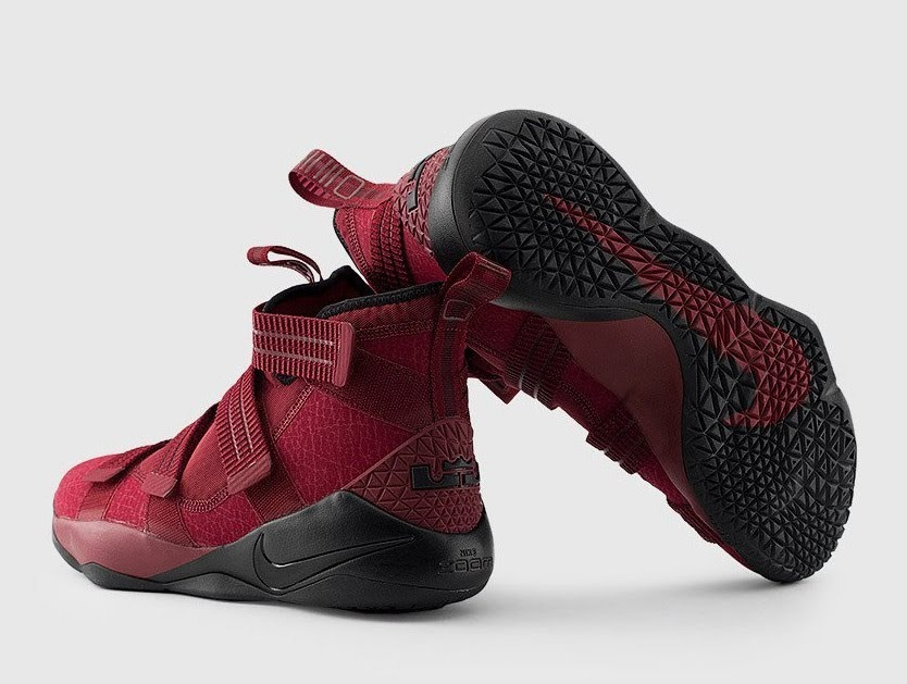 sports shoes b60d9 179a8 Nike Zoom Lebron Soldier 11 Sfg Red Wine Lebron James