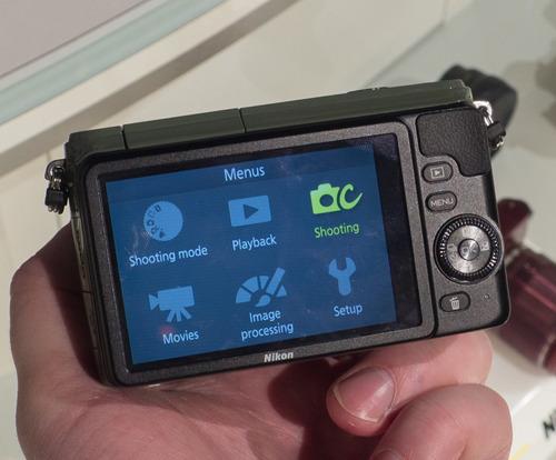 nikon 1 s1 + accesorios vendo o cambio por tlf android