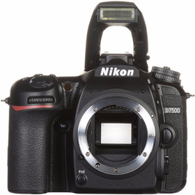 Nikon D7500 Body 20,9 Mpx Lcd 3.2 4k Wifi Bt - Solo X Hoy