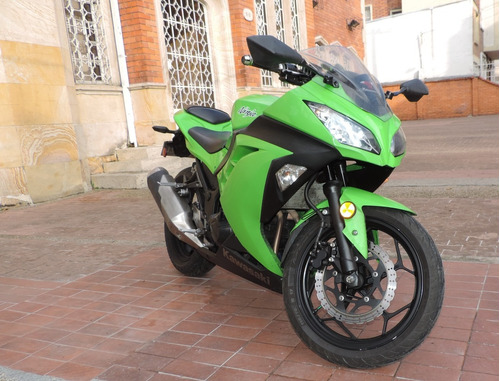 ninja 300 moto