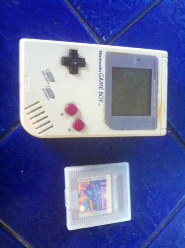nintendo gameboy con tetris