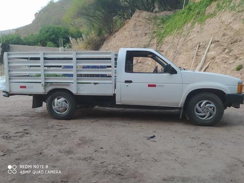 nissan 020 camioneta ok